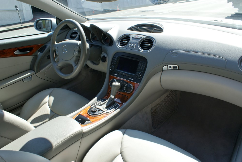 2005 mercedes benz sl500 stock 130710 for sale near san francisco ca ca mercedes benz dealer. Black Bedroom Furniture Sets. Home Design Ideas